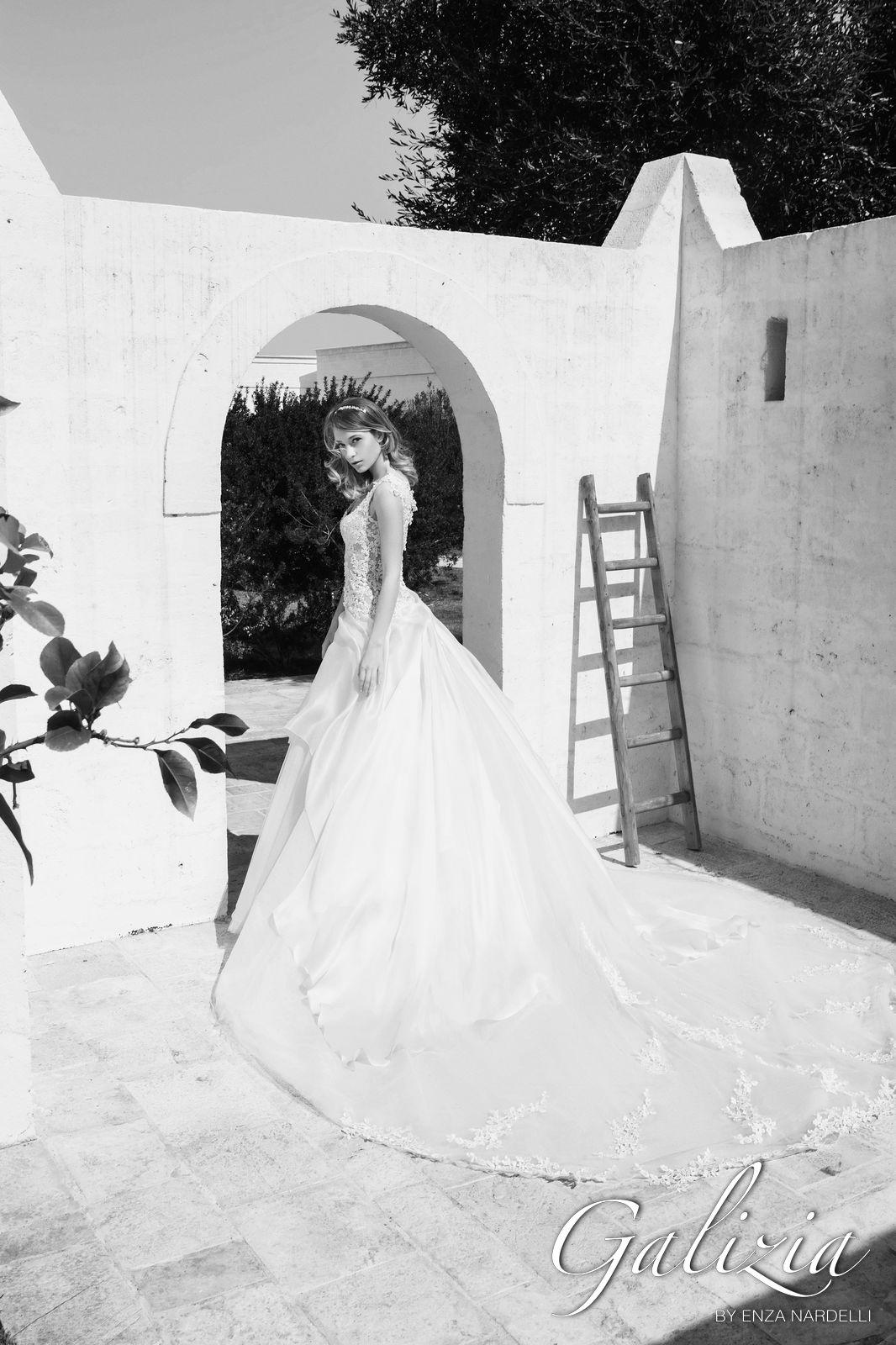 9d11ed27457f Collection 2018 - Galizia Spose by Enza Nardelli - GaliziaSpose.it